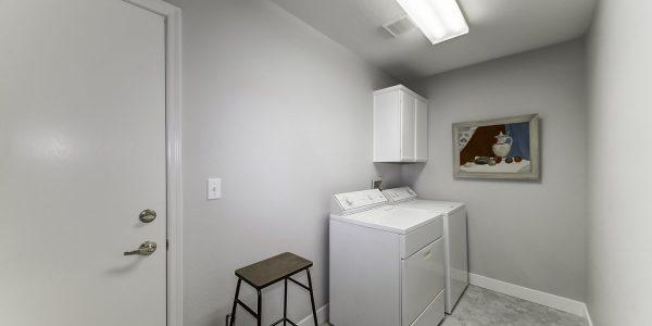 21 laundry room_MLS