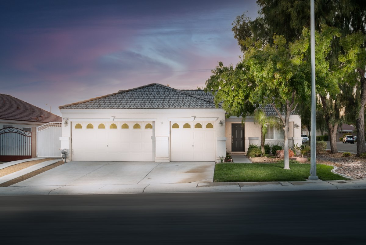5909 Coconut Creek Street, North Las Vegas, NV 89031